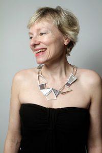 Corinne Halliez, créatrice de Raevel Création de bijoux